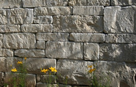 Mauersteine aus Muschelkalk von Stolz aus Bühl