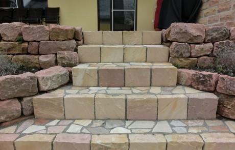 Treppenanlage Modak und Quarzit